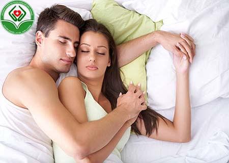 Làm gì để bệnh trĩ không ảnh hưởng đến quan hệ