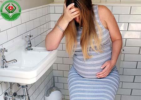 Lý do bị táo bón khi có thai