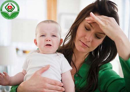 Lòi dom sau sinh là bệnh gì