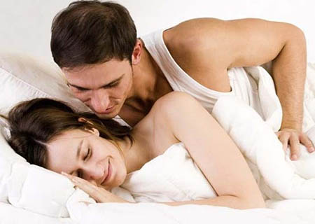 bệnh lậu lây truyền qua đường tình dục không