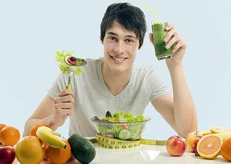 Nam giới nên chú ý chế độ ăn uống hợp lý để phòng tránh bệnh viêm bàng quang